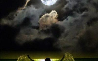 Mighty Magic Full Moon